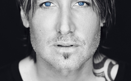 """WASTED TIME"" IS KEITH URBAN'S NEW SINGLE"